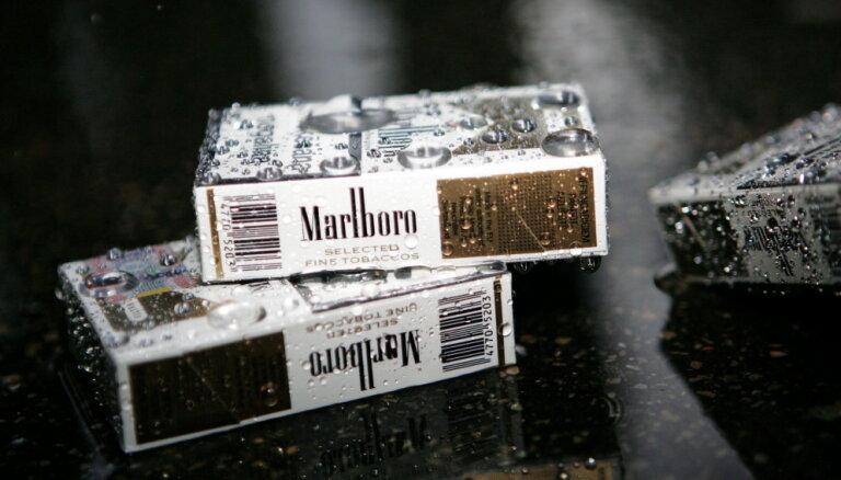 """Сейм одобрил предложение """"прятать"""" сигареты в магазинах"""