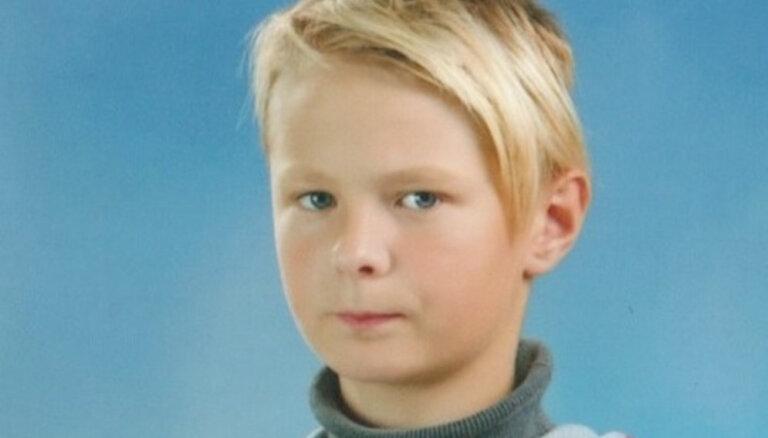Rīgā pazudušais zēns atrasts sveiks un vesels