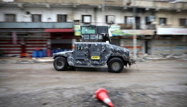 Mosulā sīvi pretojas 300 tadžiku džihādisti; nogalināts komandieris Krievs
