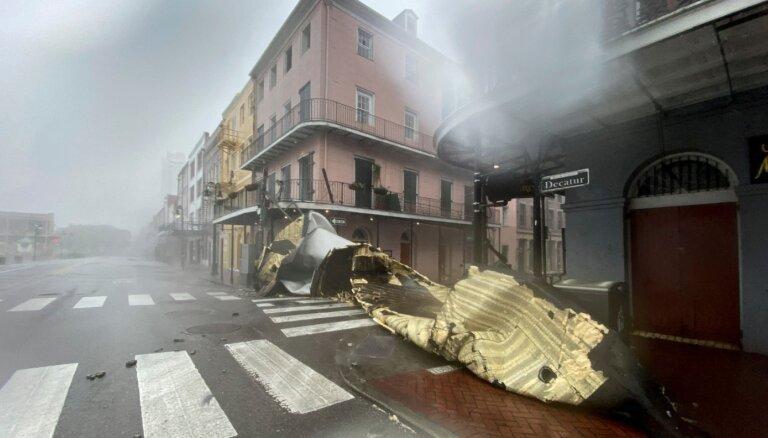 """Ураган """"Ида"""" обрушился на Нью-Йорк: есть погибшие, Байден обратился к нации"""