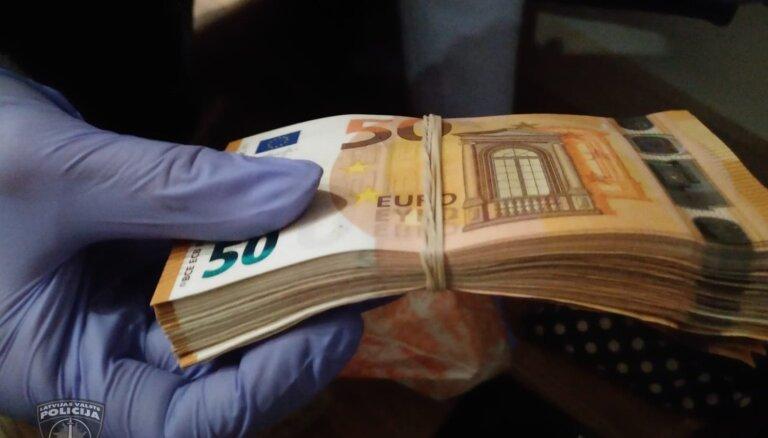 Aiztur bandu, kura Latvijā tirgojusi sevišķi bīstamas narkotikas karfentanilu