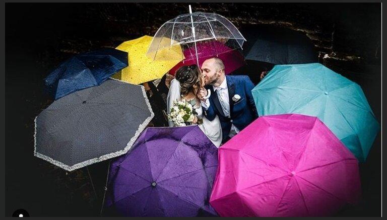 У природы нет плохой погоды. Свадьба в дождь: что важно учесть от прически до обуви для фотосессии