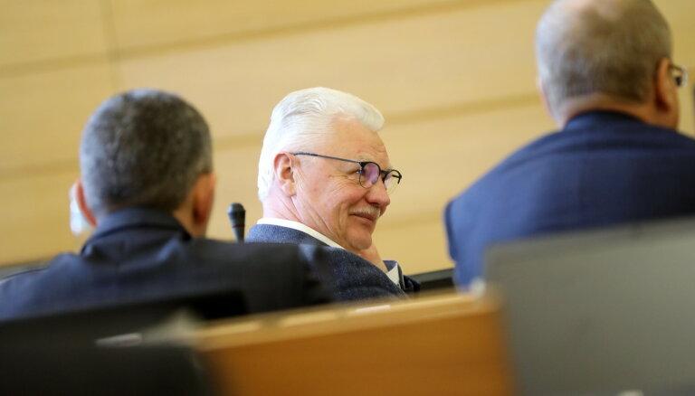 """Оппозиция """"зондирует"""" позиции нового мэра Риги: подан запрос о его отставке"""
