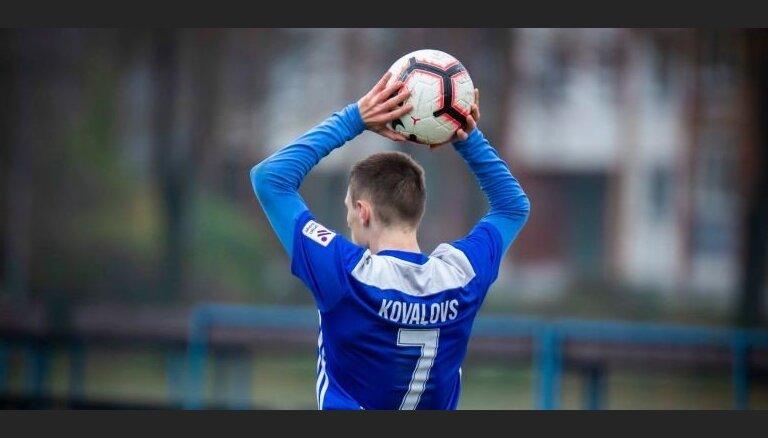 'Daugavpils' pavērsieniem bagātā spēlē uzvar 'Ventspili'