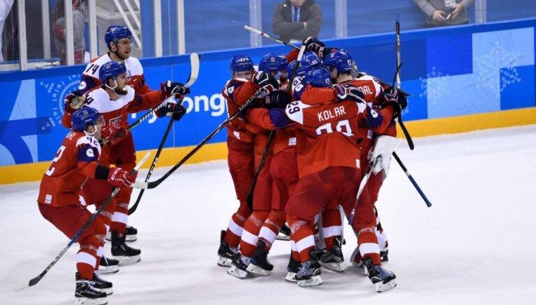 Gatavošanās PČ hokejā: Čehijai un Zviedrijai uzvaras Eirotūrē; Vācija EIHC mačā grauj Franciju