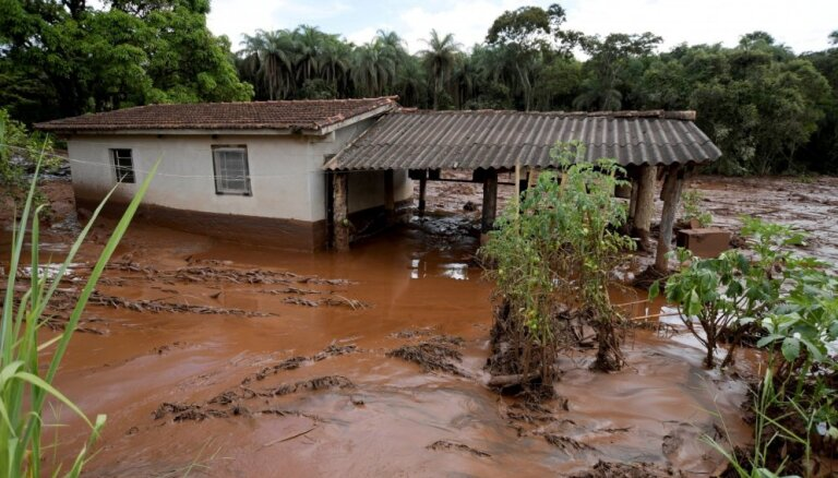 Brazīlijā sagrūstot aizsprostam, gājuši bojā vismaz 11 un pazuduši 296 cilvēki