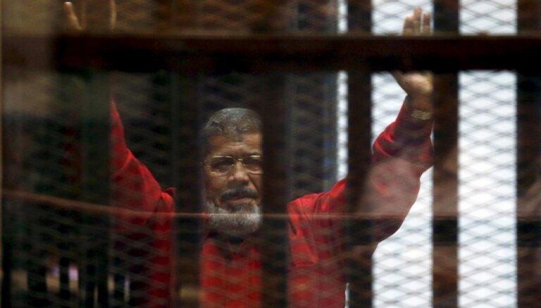Mursi piespriež mūža ieslodzījumu lietā par spiegošanu Kataras labā