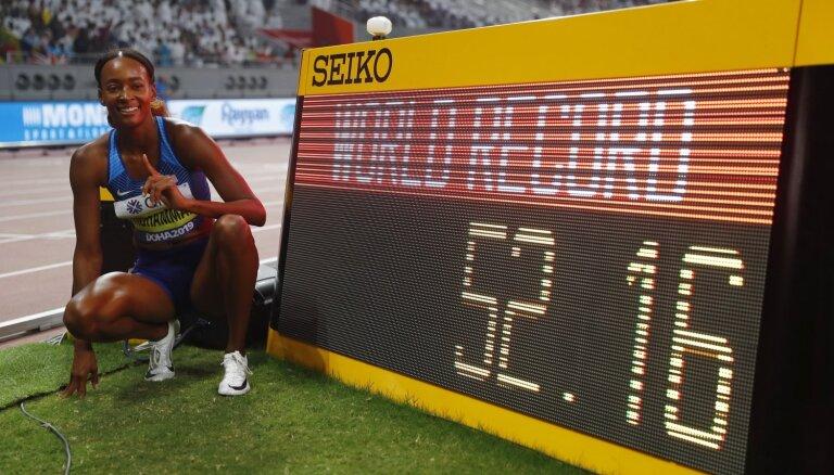 Muhamada ar jaunu pasaules rekordu triumfē 400 metru barjersprintā