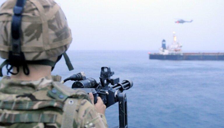Pieaug Āzijas pirātisms; Somālijas pirāti - 'ārpus biznesa'