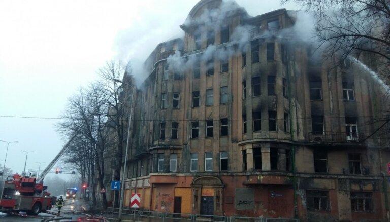 Rīgas plāns nodegušās mājas Kalnciema ielā vietā ļaus būvēt augstceltni