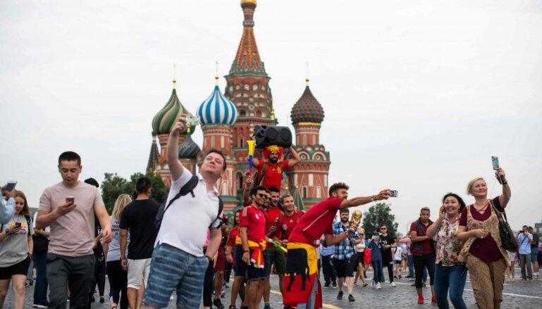Krieviju Pasaules kausa futbolā laikā apmeklējuši vairāk nekā trīs miljoni tūristu
