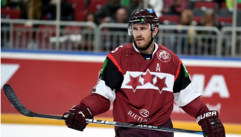 Laikraksts: Latvijas hokeja izlasei pasaules čempionātā nevarēs palīdzēt Džeriņš un Karsums
