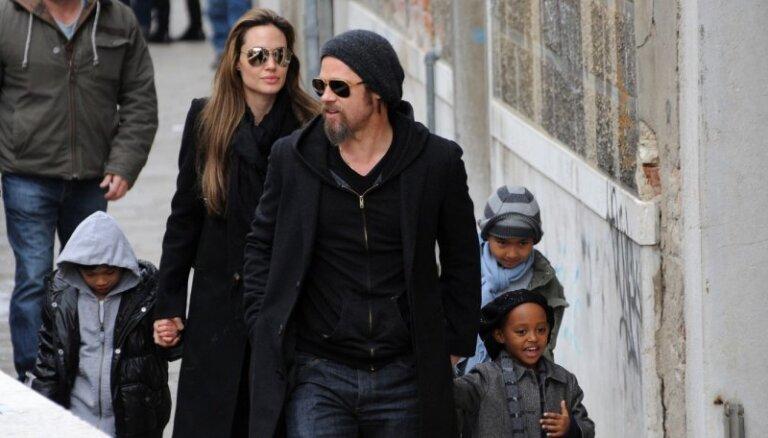 Вся семья Джоли и Питта снялась в фотосессии для Vogue