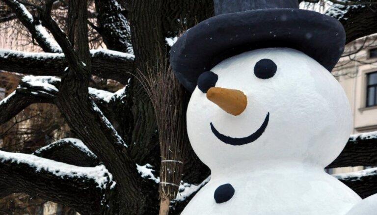 Muzejs aicina bērnus paspēlēties ar ziemas pasakām par ledus princesi, laumiņām un sniegavīru