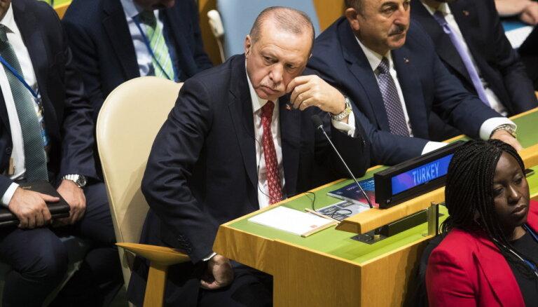 Помимо встречи с Путиным Трамп также отменил переговоры с Эрдоганом