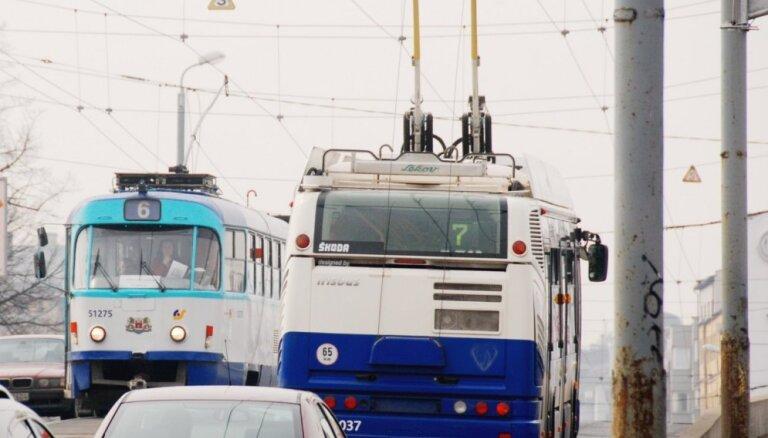 Divas taisnības par 'Rīgas satiksmi': 'Kreditori apmierināti' vai 'joprojām ļoti vāja caurredzamība'?