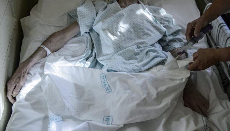 Минздрав хочет превратить Рижскую Первую больницу в центр по уходу, самоуправление против