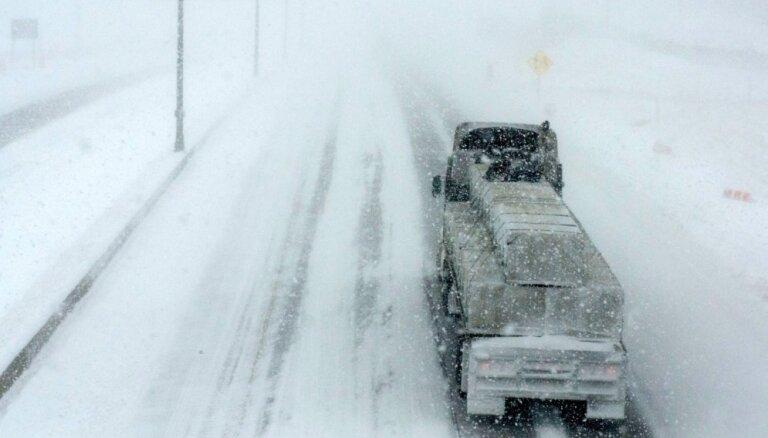 Latgalē, Zemgalē un vietām Kurzemē pēcpusdienā apgrūtināti braukšanas apstākļi