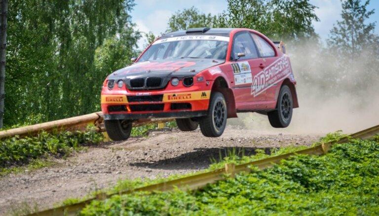 Foto: 'Rally Talsi' neticamu uzvaru izcīna lietuvieši