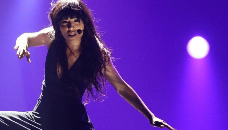 """Победительница """"Евровидения"""" рассказала о своей бисексуальности"""