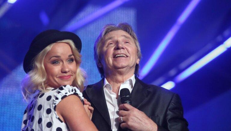 Foto: Zvaigžņu dueti pieskandina Dzintarus