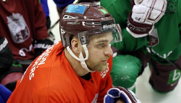 Mazākumu speciālists Pavlovs traumas dēļ nespēlēs Latvijas izlasē pasaules čempionātā