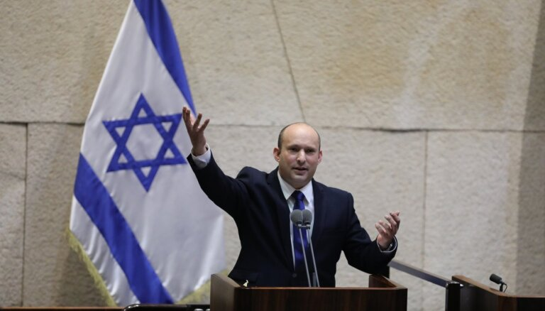 Izraēlas parlaments apstiprina jauno valdību