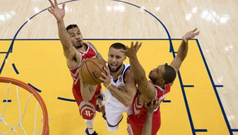 'Warriors' basketbolisti sagādā 'Rockets' jaunu kluba antirekordu