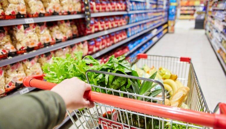 Čehijā lielajiem veikaliem būs jāpārdod pārsvarā vietējie pārtikas produkti