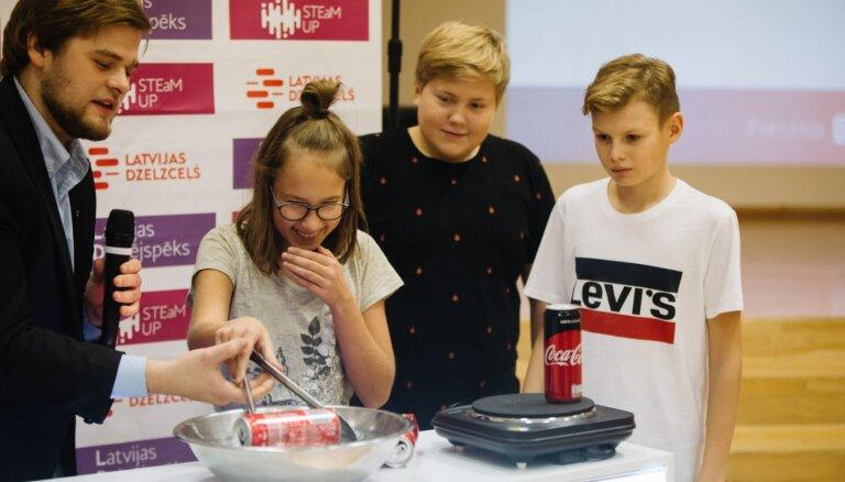 LDz atsācis rīkot 'KonkurētSPĒJĪGS' sarunas Latvijas skolās