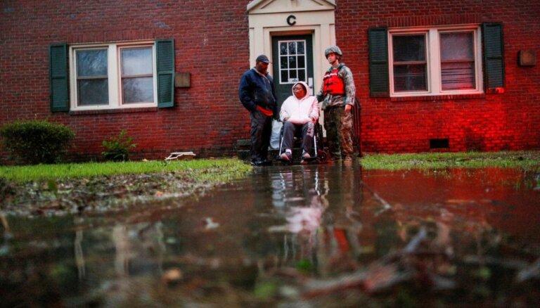 """В США увеличивается число жертв урагана """"Флоренс"""""""