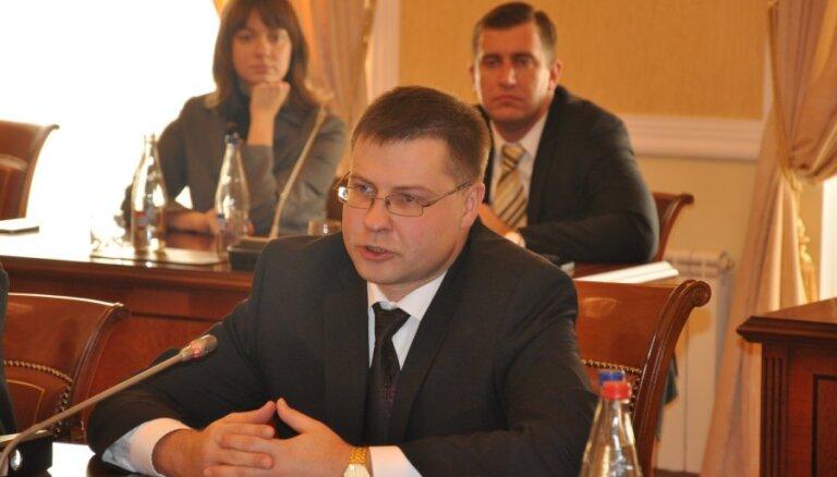Delna: Домбровскис не очень-то борется с коррупцией
