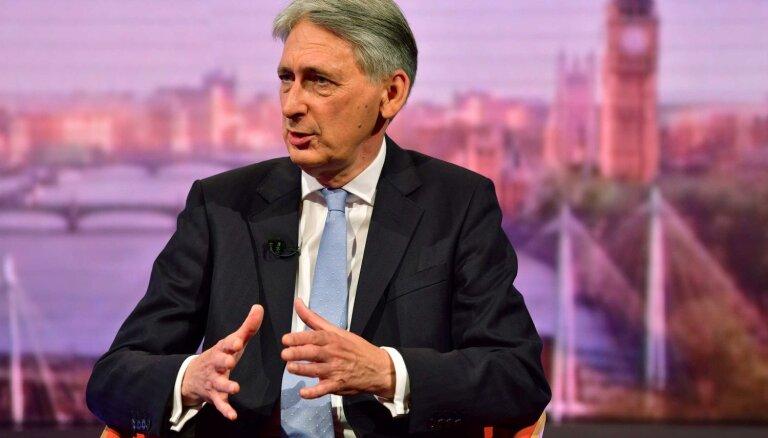 Valdībai nav pilnvaru izstāties no ES bez vienošanās, brīdina britu eksministrs