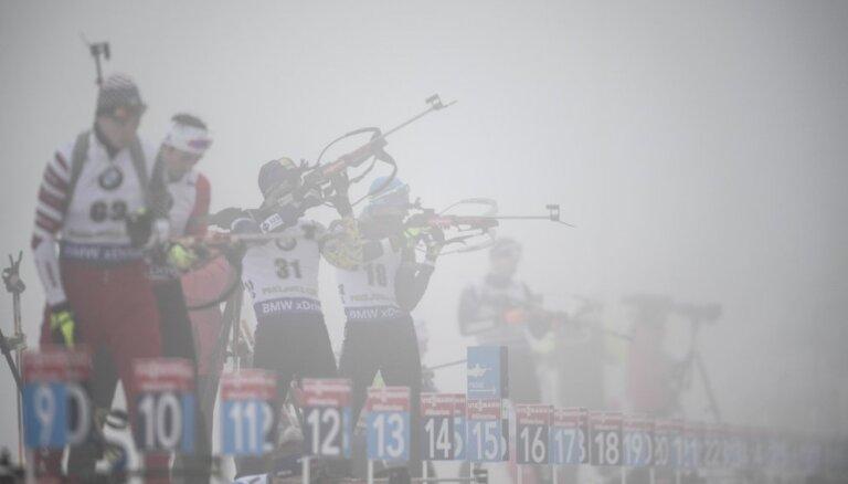 Laika apstākļu dēļ pārceļ biatlona Pasaules kausa sacensības sprintā