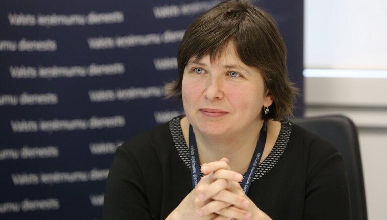 Aplokšņu algās izkūpējušais miljards – Latvijā likumpārkāpēji izmanto pensionārus