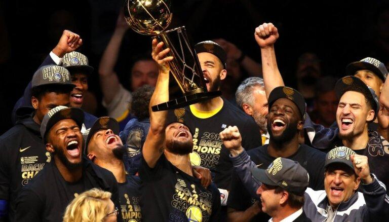 """""""Голден Стейт"""" разгромил """"Кливленд"""" и стал чемпионом НБА, Дюрант — MVP финала"""