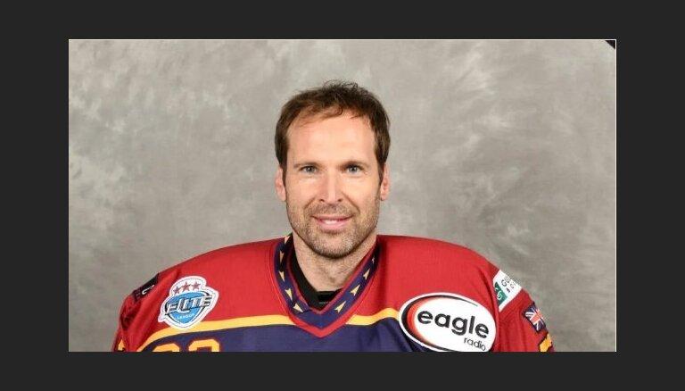 Petrs Čehs piepildījis sapni kļūt par hokeja vārtsargu