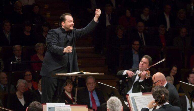 Gustava Mālera Piektā simfonija – varena, krāšņa un aizkustinoša