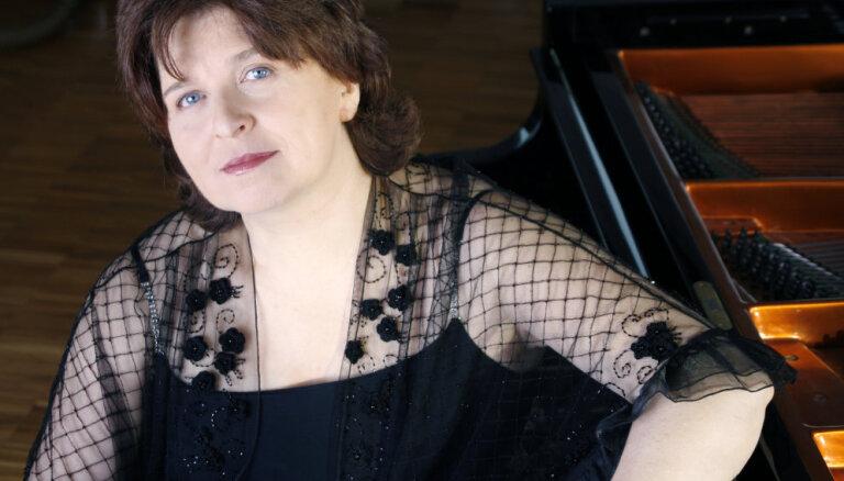 Lielajā ģildē uzstāsies pianiste Dina Joffe