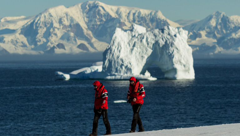 Ciemos pie polārlāčiem: kāpēc latvieši dodas pētīt ledājus?
