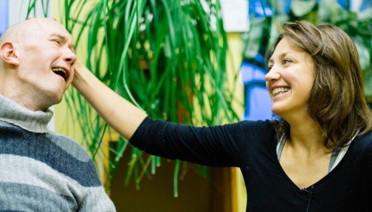 Stiprini stipros: DELFI собрал более 64 000 евро для тех, кто ухаживает за близкими