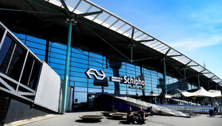 Пилот в аэропорту Амстердама случайно поднял тревогу о захвате заложников