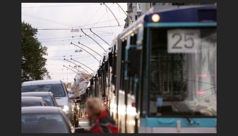 Āgenskalnā atjaunota trolejbusu satiksme