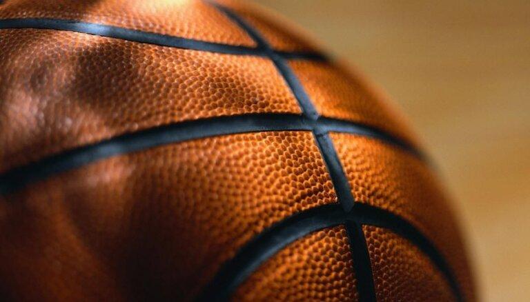 U-20 izlases izkrišana no A divīzijas ir spļāviens sejā Latvijas basketbolam, norāda LBS valdes loceklis