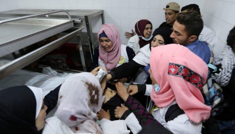 Izraēlas drošības spēki uz Gazas joslas nošāvuši palestīniešu medmāsu