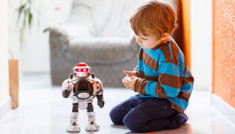 Septiņas rotaļlietas, kurām jābūt ikviena bērna mantu kastē