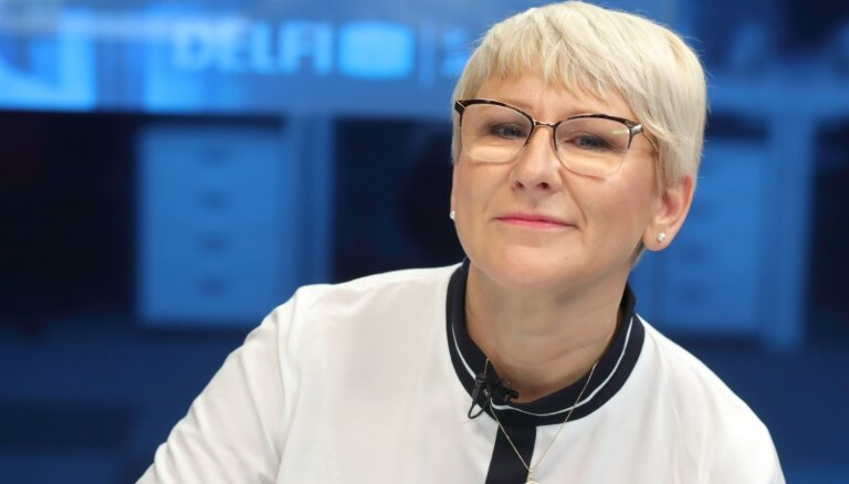 'Delfi TV ar Jāni Domburu' – atbild VID ģenerāldirektore Ieva Jaunzeme. Pilns ieraksts