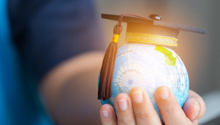 Covid-19 krīzes laikā studējošiem pieejamas nodarbinātības stipendijas un mēneša stipendijas, atgādina IZM