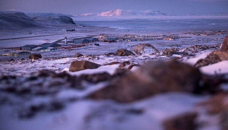 Kūstošās Grenlandes ledus segas dēļ jūras līmenis pacēlies par 10,6 milimetriem