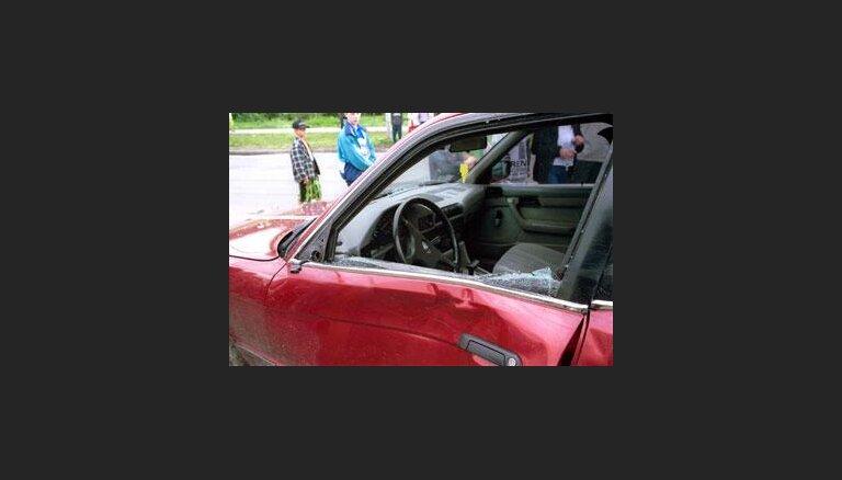 Вызвавший автоаварию мужчина сбежал из полицейского участка